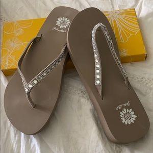 Yellow Box Sandals 10